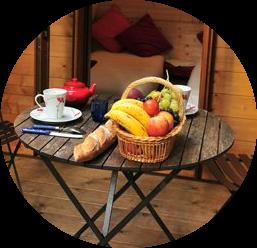 petit-déjeuner-cabane-insolite